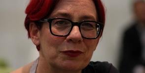 Анн Мари Коммандор создает моду профессионально
