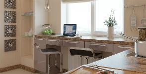 Как сэкономить пространство: идеи использования подоконника в маленькой квартире