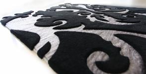 <strong>15</strong> ковров в черно-белой гамме