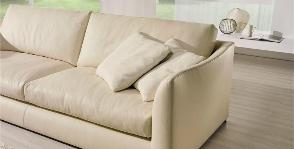 26 кожаных диванов нейтральных оттенков