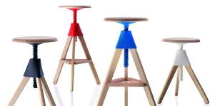 <strong>25</strong> барных стульев с регулировкой высоты