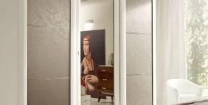 <strong>25</strong> зеркальных шкафов