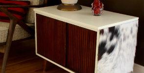Декорирование мебели шкурой