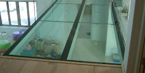 Окно в полу