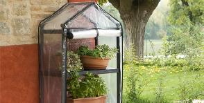 Стеллаж для садовой теплицы