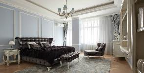 Просторная изысканная спальня в синих тонах: дизайнер Ольга Черненко