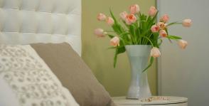 Спальня в природных оттенках: дизайнер Софи Му