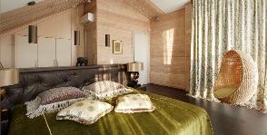 Спальня с гардеробной на мансарде: 5 решений, которые годятся и для квартиры
