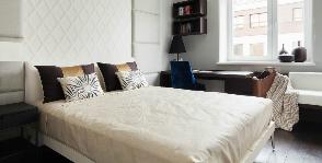 Спальня-кабинет на 13 метрах: 5 «мужских» способов организовать пространство