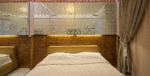 Китайский супершкаф: авторская разработка для маленькой спальни