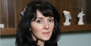 Елена Соколова о новогодней сервировке и инвестициях в посуду
