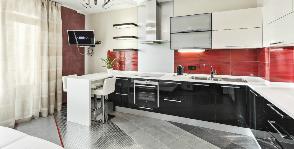 Бело-красная кухня: дизайнер Полина Лебедева
