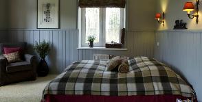 Спальня в загородном доме: дизайнер Наталья Леонова