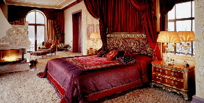 Роскошная спальня в загородном особняке: дизайнер Марина Путиловская
