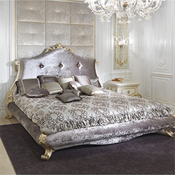 Baroque bed