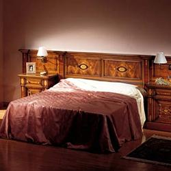 Испанскую мамашу на кровати