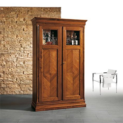 Antiqua display cabinet
