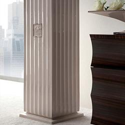 Monike column