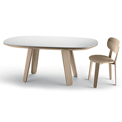 Triku dining table