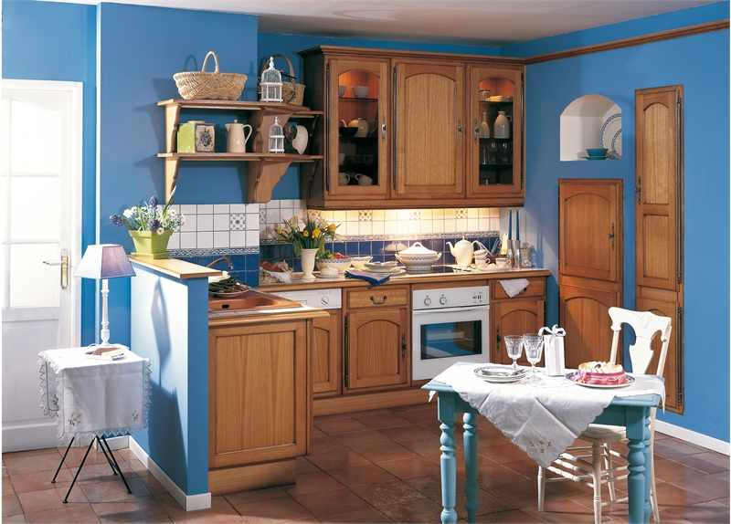 Нестандартная мебель Кухни с фасадами пленки.
