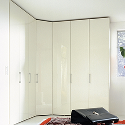 Multi-forma hinge-door wardrobe