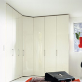 Multi-forma hinge-door wardrobe  360.ru: , , ,    .  Huelsta 